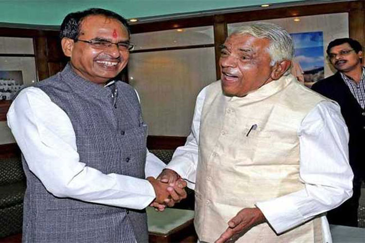 Congress offers Lok Sabha ticket to former CM and senior BJP leader Babulal Gaur from Bhopal- India TV Hindi