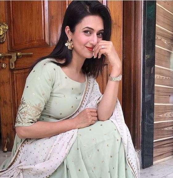 Divyanka Tripathi Dahiya will be solo anchor of reality show The Voice- India TV Hindi