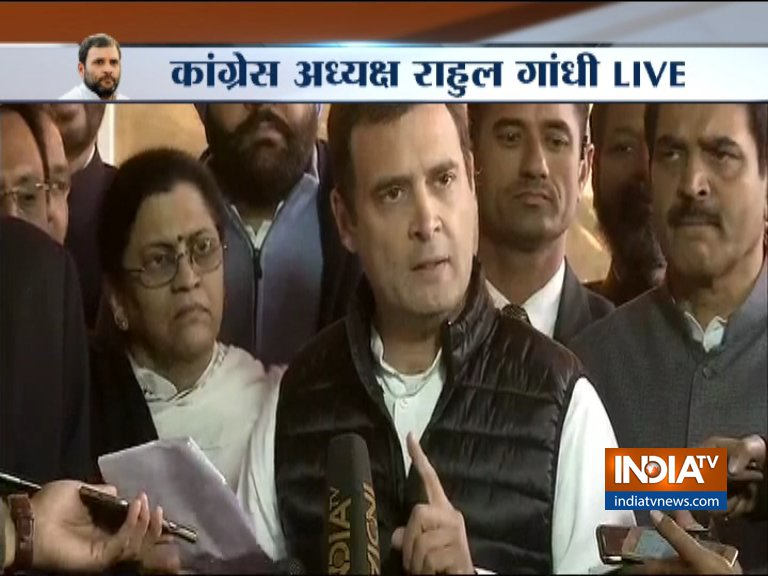 Rahul Gandhi again targets PM Modi and Defense Minister on Rafale Deal- India TV Hindi