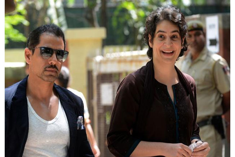 Robert Vadra and his mother ask by High Court to face Enforcement Directorate - India TV Hindi