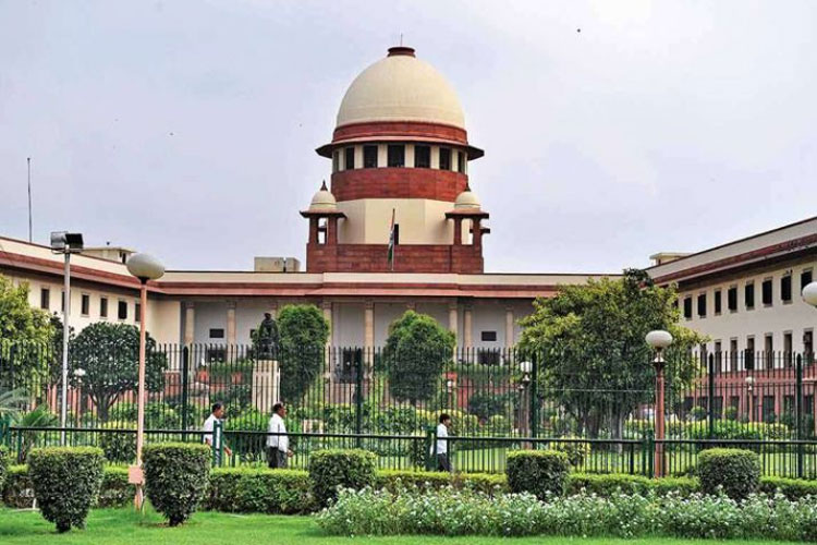 Supreme Court again refuses to stay amendments to SC/ST Act; posts hearing on February 19th- India TV Hindi