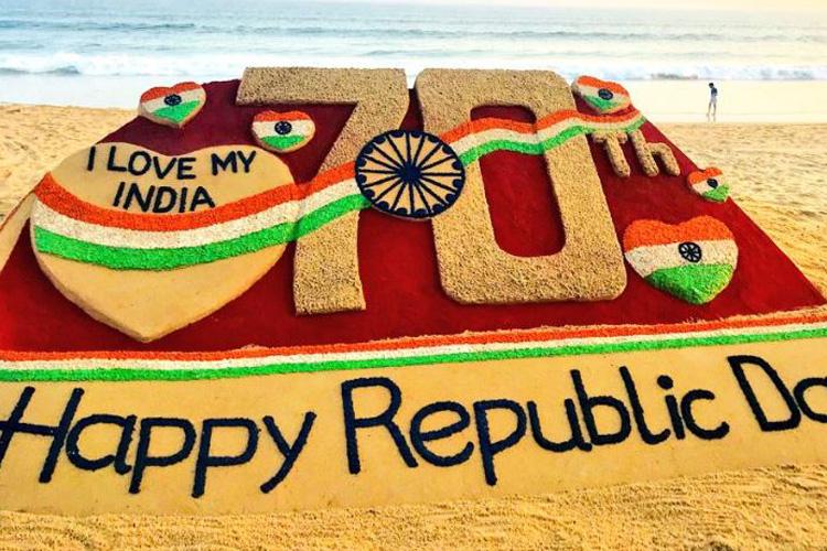 Sand artist Sudarsan Pattnaik celebrated 70th Republic Day - India TV Hindi