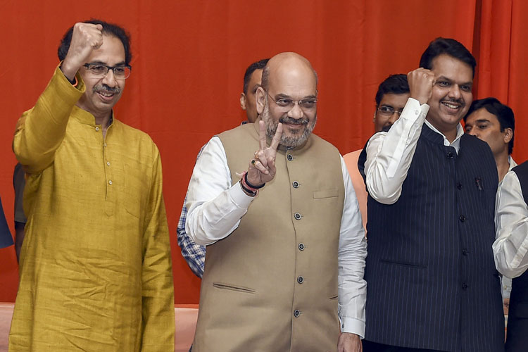 Shah-Thackeray seal the deal; BJP to fight on 25 seats...- India TV Hindi