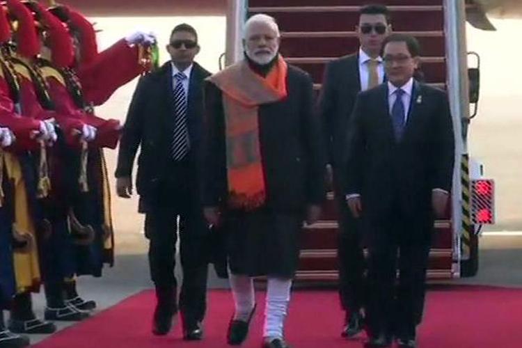 दक्षिण कोरिया पहुंचे PM मोदी, पुलवामा हमले पर चर्चा संभव; नवाजा जाएगा सियोल शांति पुरस्कार- India TV Hindi