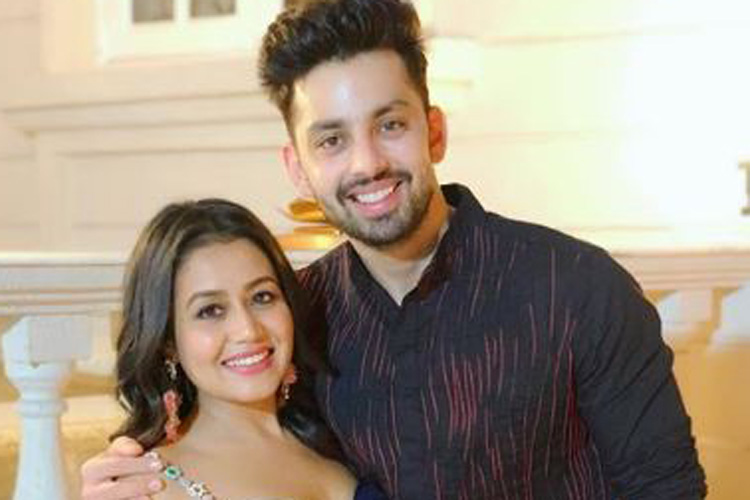 Neha Kakkar opens up on break up With Himansh Kohli- India TV Hindi