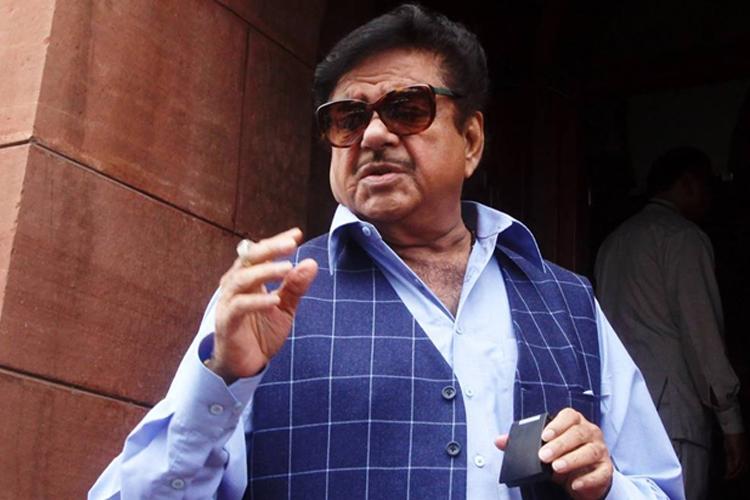 'पुलवामा हमले पर जल्दबाजी में जवाबी कार्रवाई से बचें, जोश में कहीं अपना होश न खो बैठें'- India TV Hindi