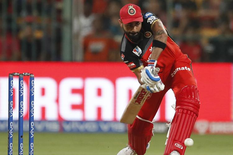 IPL 2019: अंपायर के गलत फैसले पर भड़के विराट कोहली- India TV Hindi