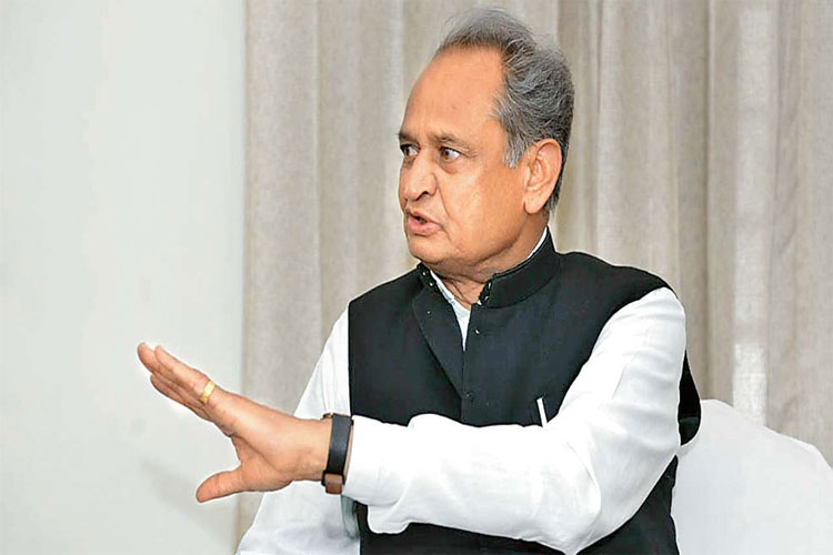 6 not 80 farmers commits suicide in Rajasthan says Ashok Gehlot Government - India TV Hindi