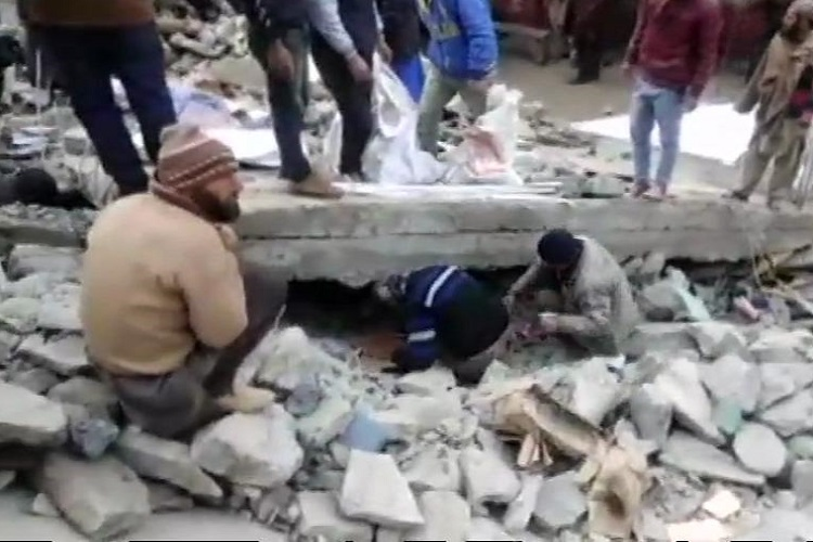Bathri market of Bhalessa area collapsed in a landslide...- India TV Hindi