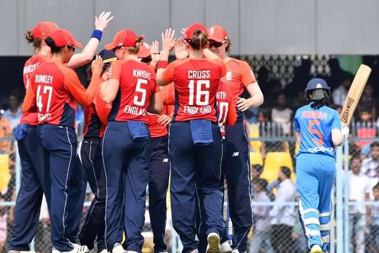 INDW vs ENGW: India beat by 1 run, England 3-0 to clean sweep- India TV Hindi