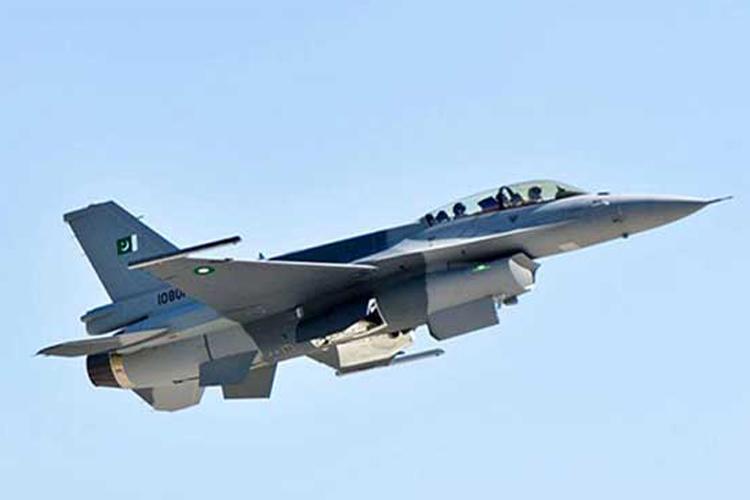 भारत के खिलाफ F-16 उड़ाकर फंसे इमरान, पाकिस्तान से 68 फाइटर जेट छीनेगा अमेरिका!- India TV Hindi