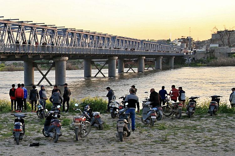 Iraq ferry sinking: dozens people drown in Mosul | AP- India TV Hindi