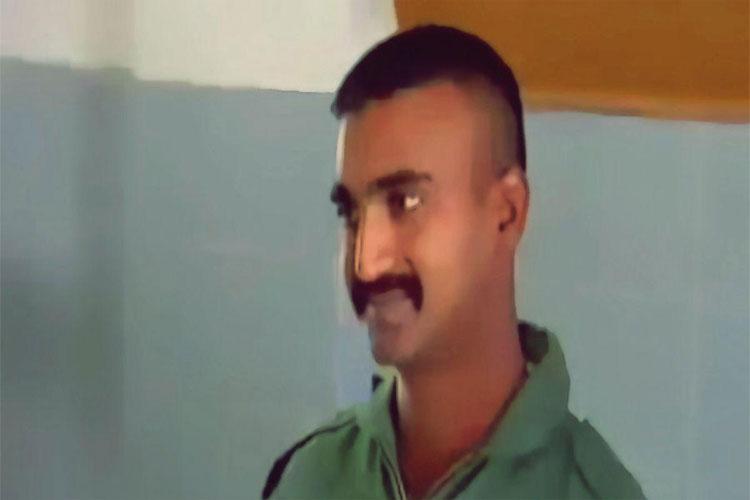 IAF पायलट की रिहाई रोकने के लिए याचिका दायर, जानें पाकिस्तान कोर्ट का फैसला- India TV Hindi