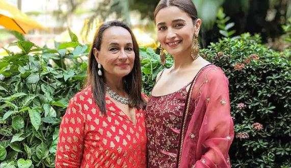 सोनी राजदान- India TV Hindi