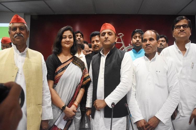 PM मोदी के खिलाफ...- India TV Hindi