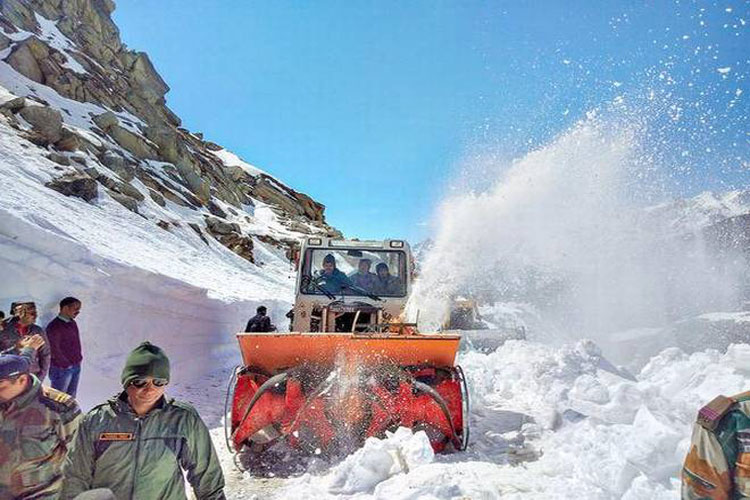 Srinagar-Leh Highway opens- India TV Hindi