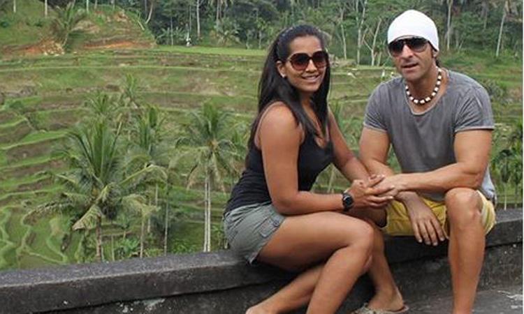 Meghna Naidu with husband- India TV Hindi