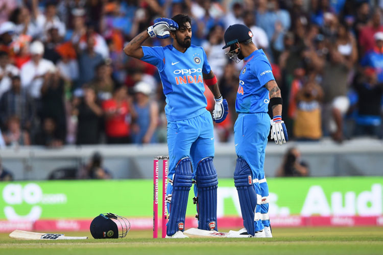 Chris Gayle Said KL Rahul Is an Olny Playe Who Can match Kohli's achievements- India TV Hindi