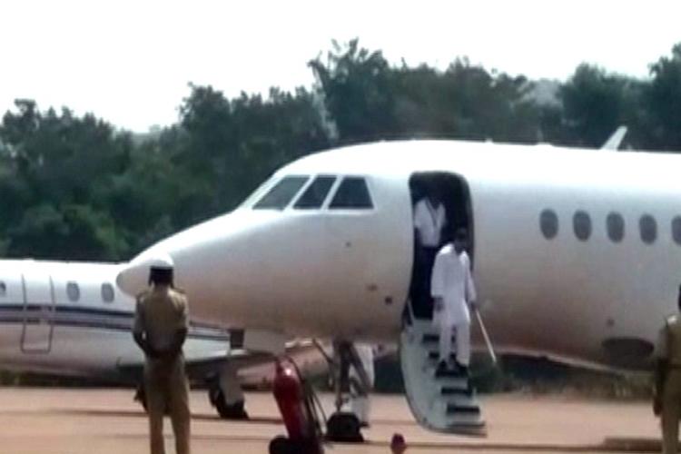 पटना जा रहे राहुल गांधी के विमान में अचानक आई खराबी, आधे रास्ते से लौटे दिल्ली- India TV Hindi