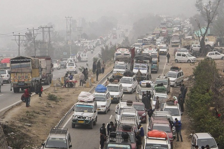 Jammu-Srinagar National Highway blocked- India TV Hindi