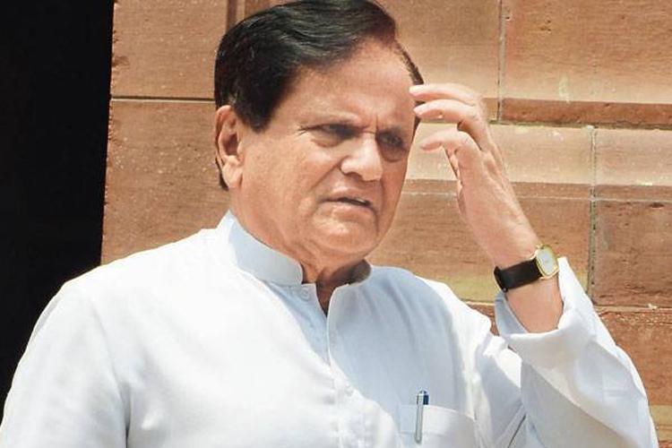 मोदी के 'भ्रष्टाचारी नंबर वन' बयान पर पलटवार करते हुए अहमद पटेल ने कर दी यह बड़ी चूक!- India TV Hindi
