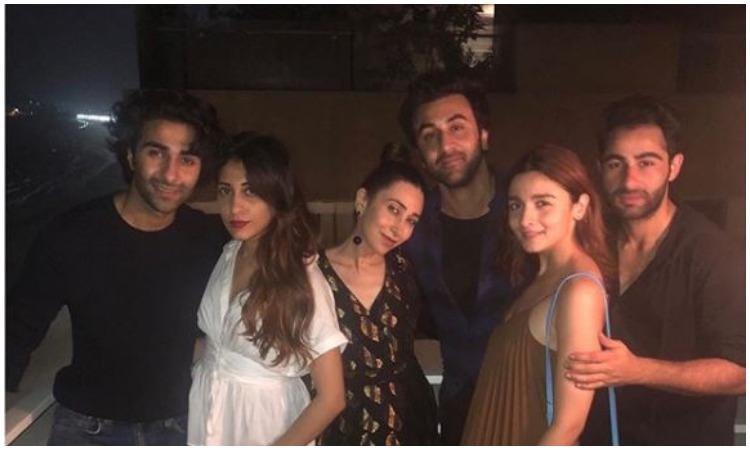 Ranbir kapoor wiyh his cousins- India TV Hindi