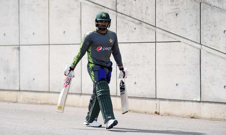 पाकिस्तानी क्रिकेटर...- India TV Hindi