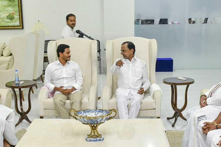 YSR Congress Party Chief YS Jaganmohan Reddy and...- India TV Hindi