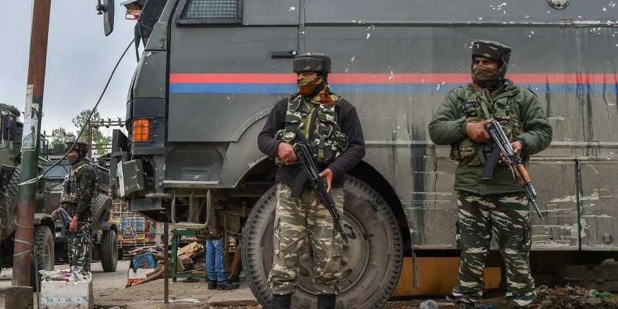 कुलगाम में आतंकियों से एनकाउंटर, ताजिपोरा में सुरक्षाबलों ने आतंकियों को घेरा- India TV Hindi