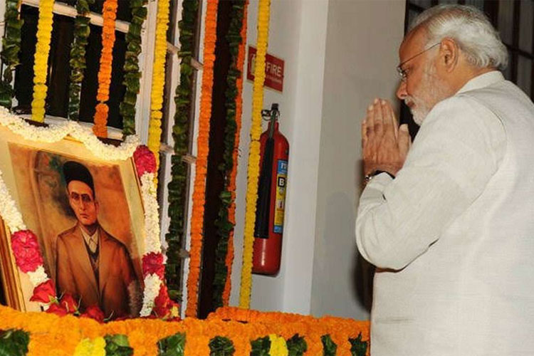 PM Modi pays tribute to prolific poet, social reformer and courageous fighter Veer Savarkar - India TV Hindi