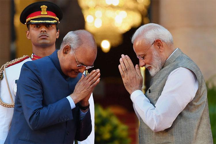 President Ram Nath Kovind greets Prime Minister Narendra Modi.- India TV Hindi