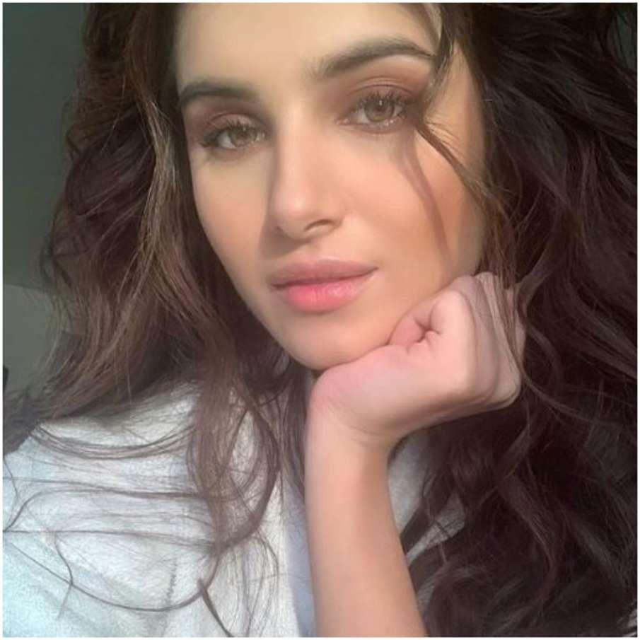 तारा सुतारिया- India TV Hindi