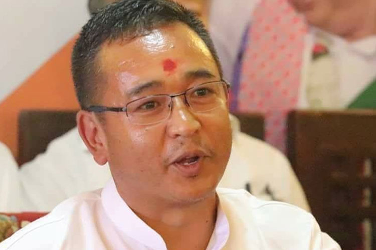 PS Goley sworn-in as Chief Minister of Sikkim | Facebook- India TV Hindi