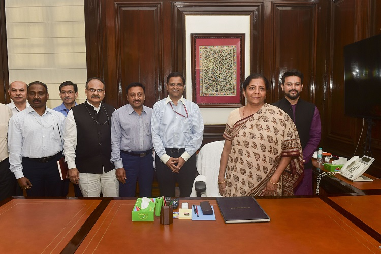 Nirmala Sitharaman takes charge as Minister of Finance and Corporate Affairs- India TV Hindi