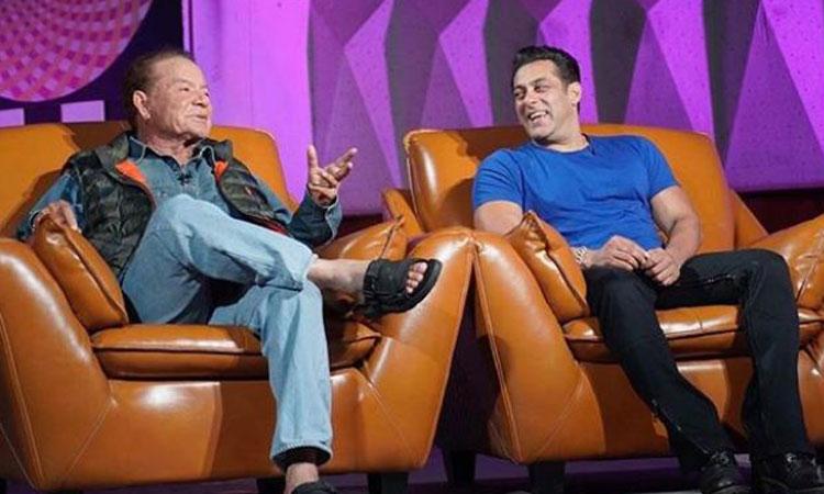 Salman Khan promotes Bharat with his father Salim Khan- India TV Hindi