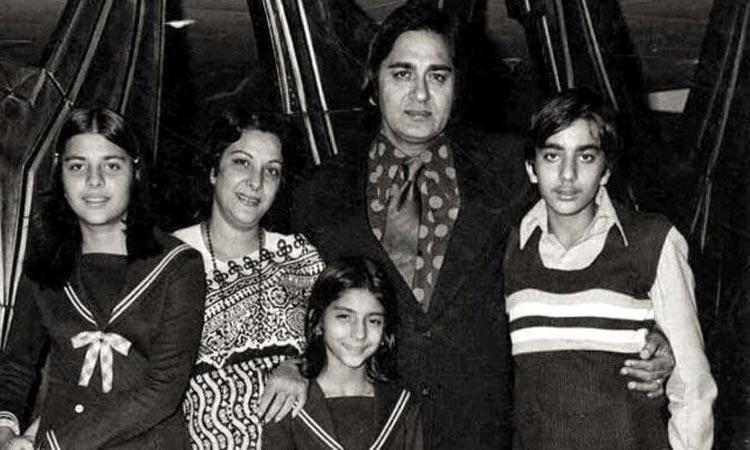 Sanjay Dutt remembers father Sunil Dutt on his death anniversary- India TV Hindi