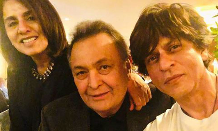 Shah Rukh Khan met Rishi Kapoor and Neetu Kapoor in New York- India TV Hindi