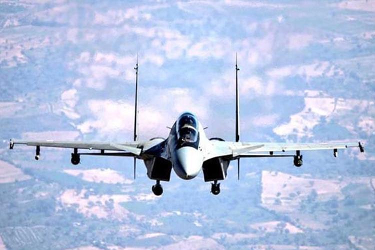 ब्रह्मोस के बाद डीआरडीओ ने सुखोई लड़ाकू विमान से गाइडेड बम छोड़ने का सफल परीक्षण किया- India TV Hindi