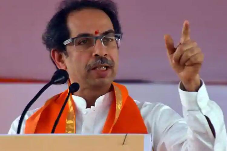 शिवसेना ने अजहर को काली सूची में डालने के समय पर सवाल उठाने के लिए कांग्रेस की आलोचना की- India TV Hindi