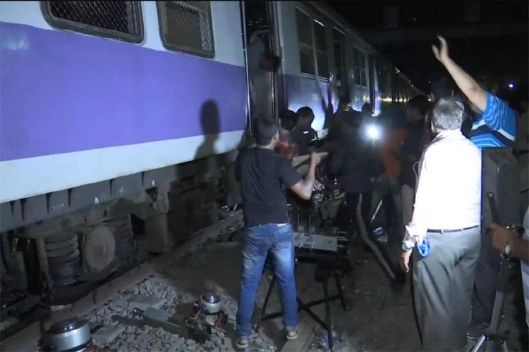 Local trains- India TV Hindi