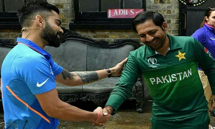 विराट कोहली और...- India TV Hindi