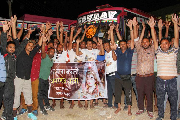 Amarnath yatra begins amidst multi-tier security grid- India TV Hindi