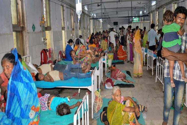 बिहार में चमकी बुखार से 146 बच्चों की मौत, मुजफ्फरपुर के अस्पतालों में कैमरों पर बैन- India TV Hindi