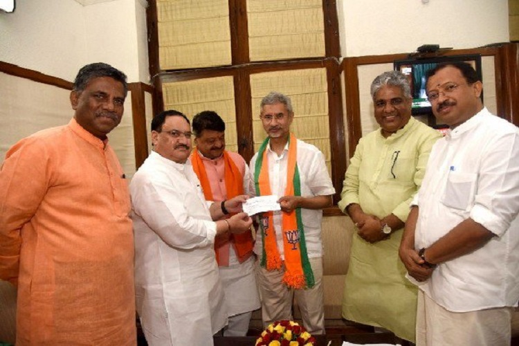 S Jaishankar formally joins BJP- India TV Hindi