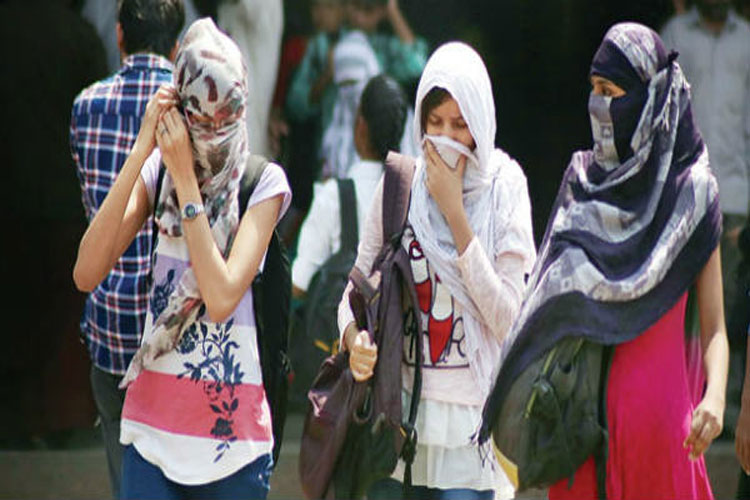 North, central India reel under heatwave, monsoon advances in Kerala- India TV Hindi