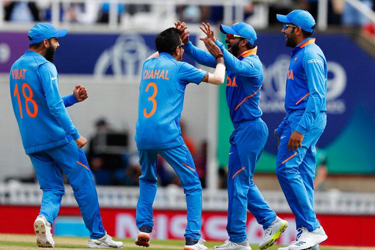 IND vs AUS, विश्व कप 2019 लाइव: ऑस्ट्रेलिया हुई 316 पर ऑल आउट, भारत ने 36 रनों से जीता महामुकाबला - India TV Hindi