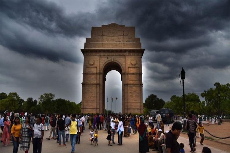 Delhi Weather Update, IMD says rainfall likely on Tuesday- India TV Hindi