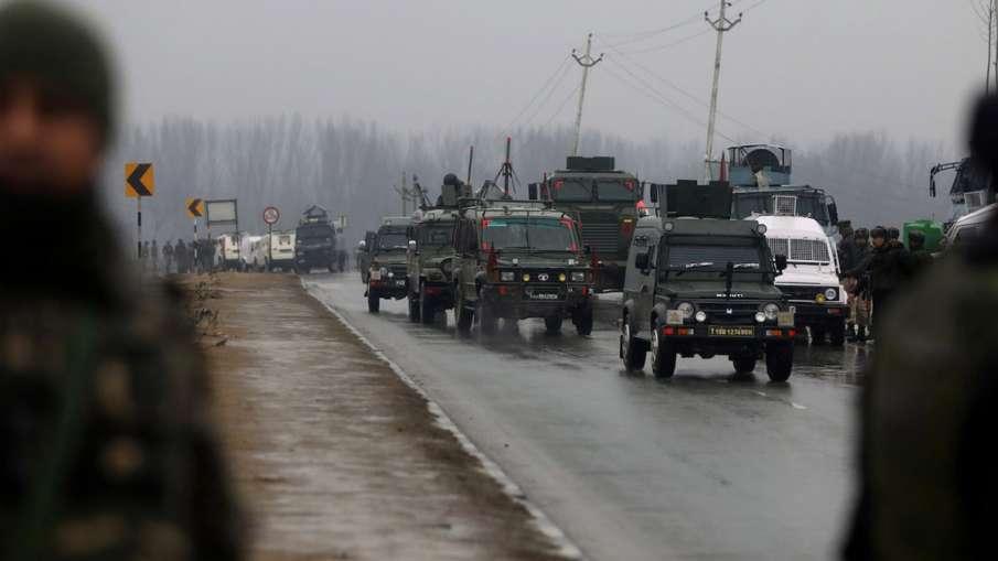 कश्मीर में सुरक्षाबलों की संख्या पर तेज हुई सियासत, अफवाहों का बाजार गर्म- India TV Hindi