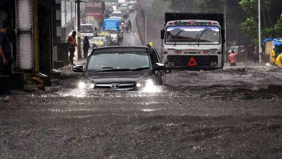 आसमान से फिर बरसी आफत, 'डूब' गई मायानगरी; 24-25 को भारी बारिश की चेतावनी- India TV Hindi