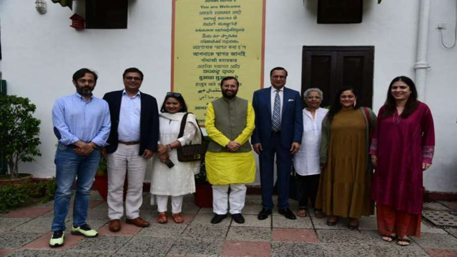 सूचना प्रसारण मंत्री प्रकाश जावड़ेकर से मिले एनबीए बोर्ड सदस्य- India TV Hindi